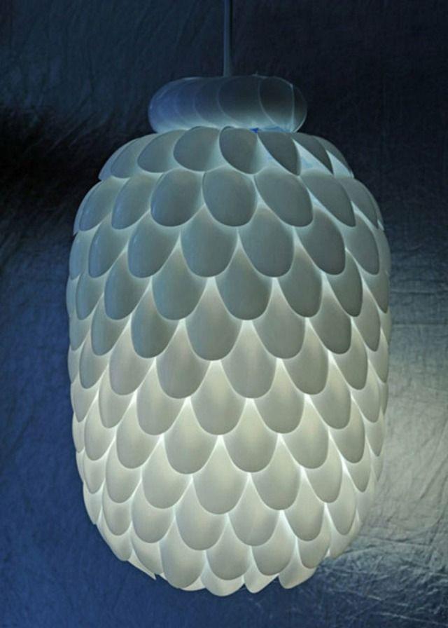 Dekorieren - Plastiklöffel für eine Lampe