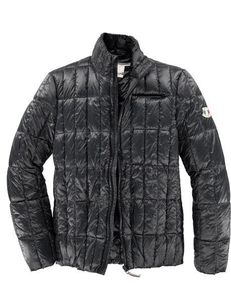 Dolomite - Sportliche, leichte Daunenjacke mit Reißverschlüssen an den seitlichen Eingrifftaschen.
