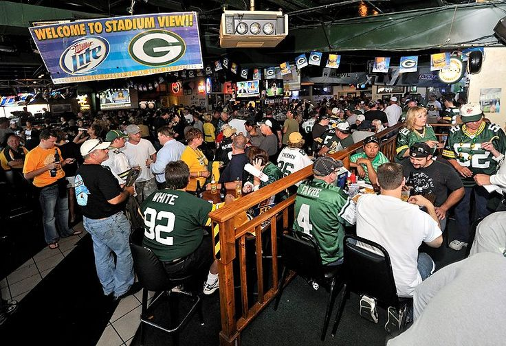 Green Bay Packers —Stadium View Sports Bar & Banquet Hall - The Most Fanatical Sports Bar For Every NFL Team - Pictures