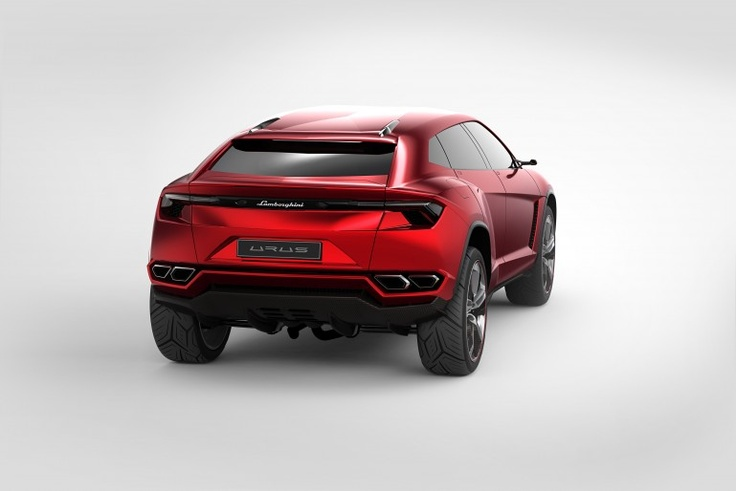Muscular haunches, swept back, rising lines and an aggressive stance reinforce the Urus p...