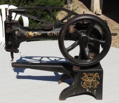 Machine a coudre ancienne singer 29k4 machine coudre for Machine a coudre 45k