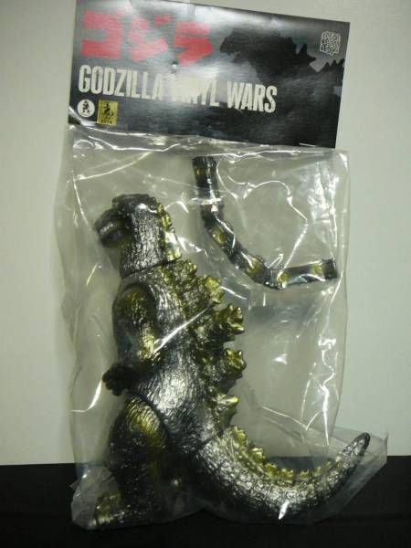 Bear model first generation Godzilla silver screen version silver color F/S…