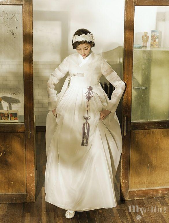 KOREAN wedding HANBOK 봄을 기다리는 설렘이 담긴 한복
