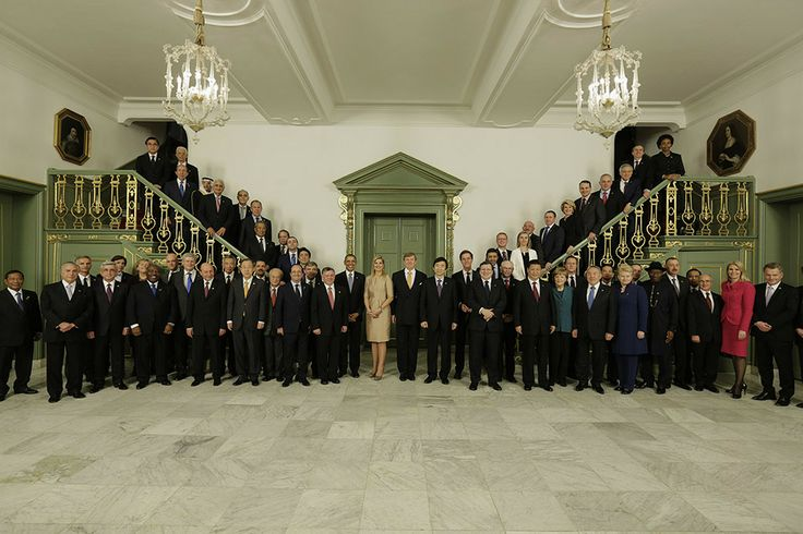 King and Queen with world leaders of NSS - Made possible by www.iCraiova.com