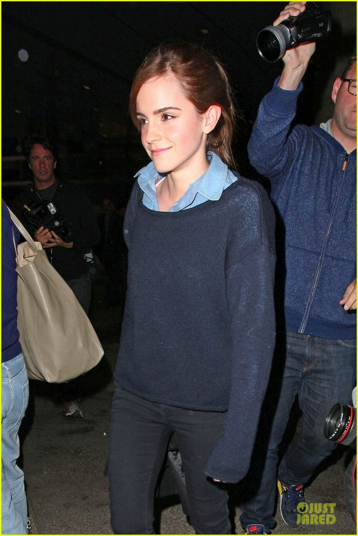 Emma Watson arrived in Los Angeles yesterday's evening for the Oscars ceremony on Sunday where she'll be presenting.