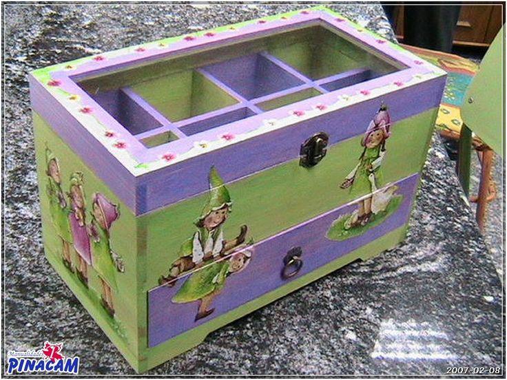 Joyero pintado con decoupage manualidades pinacam - Manualidades con cajas de madera ...