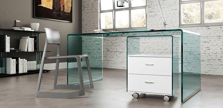 ber ideen zu schreibtisch glas auf pinterest beistelltisch rund stahl und edelstahl. Black Bedroom Furniture Sets. Home Design Ideas