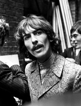George Harrison and John Lennon get blue plaque in London.