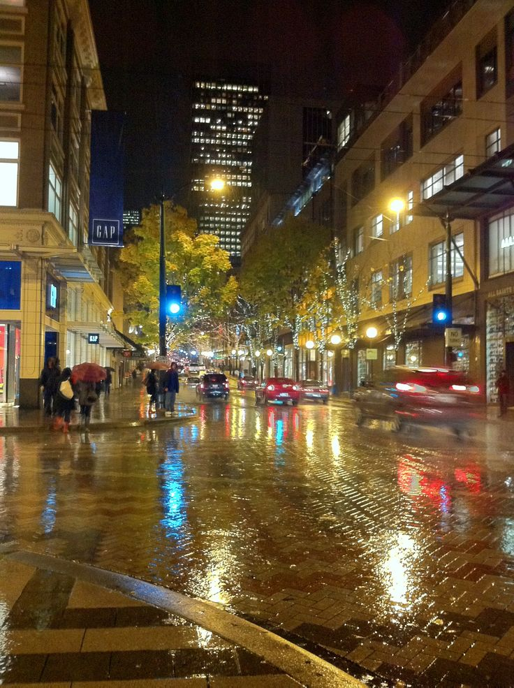 Seattle downtown in the rain (but of course)