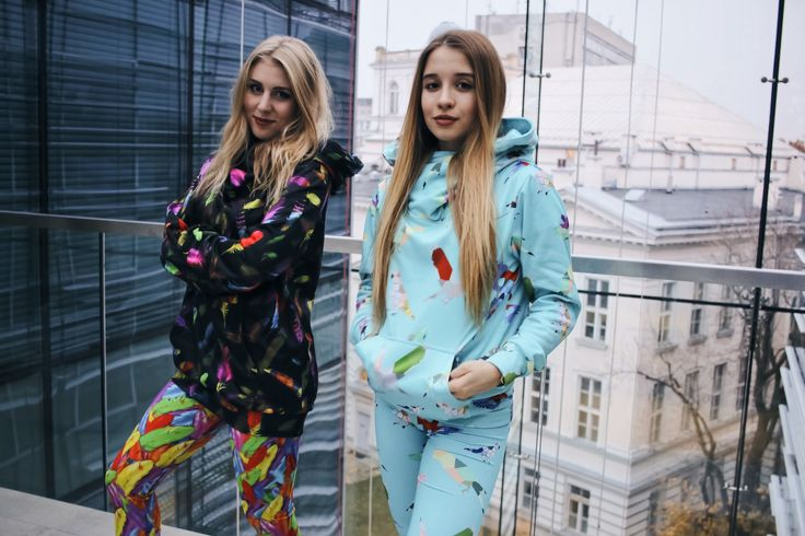 Girls in #Colorshake total looks! Marta is wearing baby blue outfit and Krysia is wearing black hoodie and feather leggins