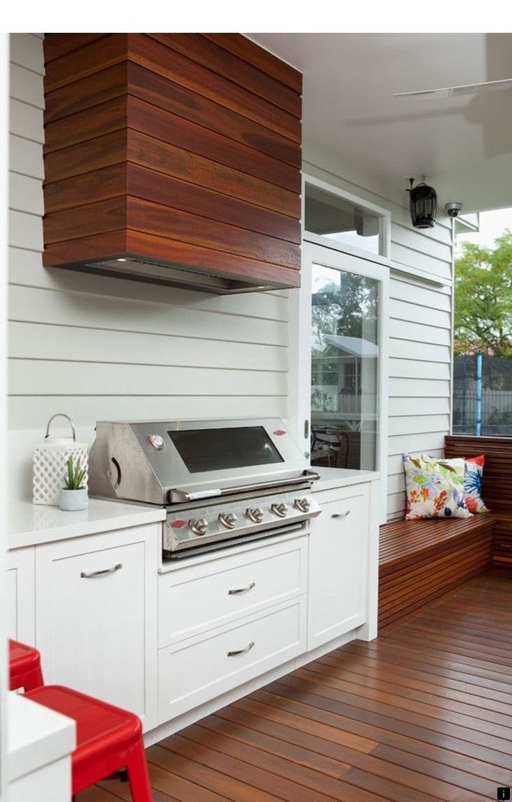 Read Information On Lynx Grills Just Click On The Link To Learn More Enjoy The W Small Outdoor Kitchens Outdoor Kitchen Design Layout Outdoor Kitchen Design