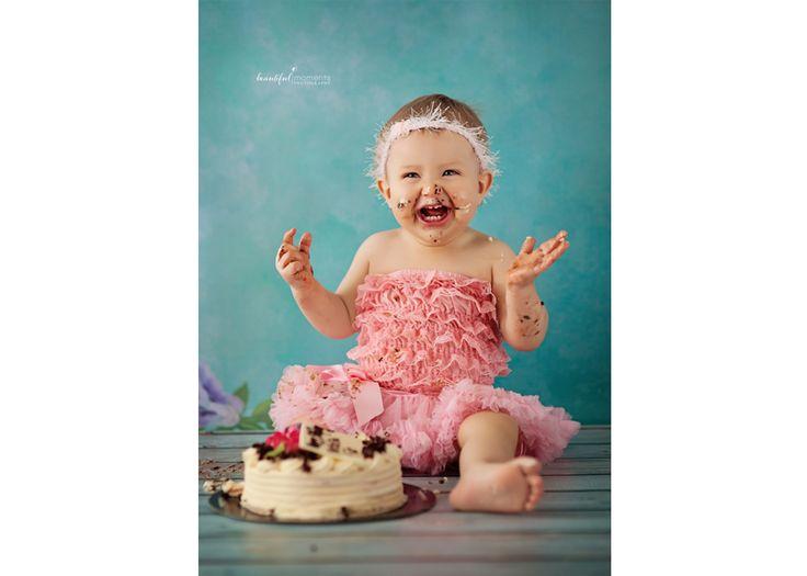 Beautiful Moments Photography - Stavanger Sandnes Ålgård Nyfødt Baby Fotograf #fotografstavanger #cutegirl #jente #cakesmash #birthday #creamcake #childrenphotos