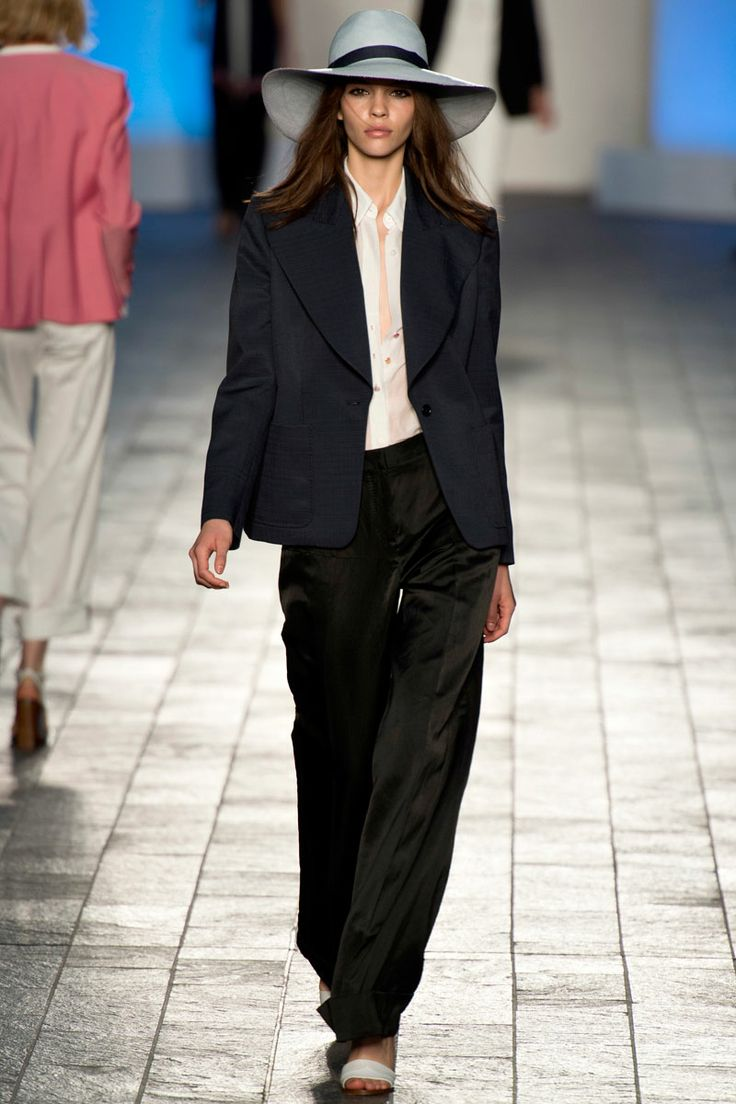 Paul Smith Spring 2014 RTW - Review - Fashion Week - Runway, Fashion Shows and Collections - Vogue
