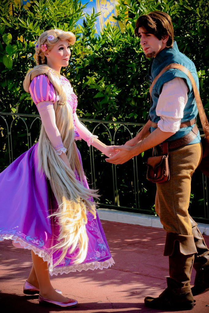 Rapunzel and Flynn Rider. Apparently you can't meet the couple anymore :-/