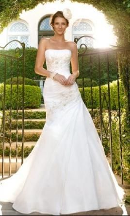 Casablanca 2026 649 size 14 sample wedding dresses for How much are casablanca wedding dresses