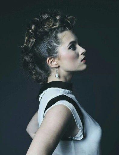 #hawk #curls #makeup