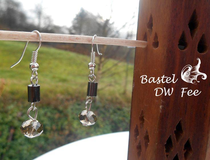 Bertramsgarbe von Bastel-DW-Fee auf DaWanda.com Diese Ohrringe wurde in liebevoller Handarbeit hergestellt.  Verwendete Materialien :  -Ohrhaken -Nietstifte -Glas Perlen -Kettelstifte -magnetische Hämatit Perlen (bei Herzschrittmacher nicht geeignet)