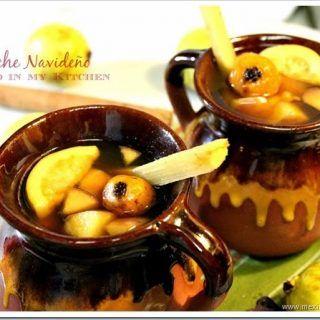 El Ponche Navideño es una parte esencial de la Navidad en México, disfruta de esta y otras recetas navideñas en este blog.
