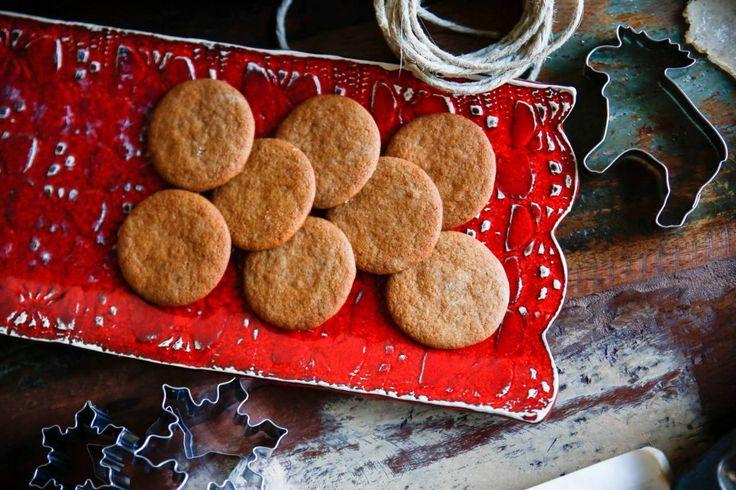 Farmor Elnas Pepparkakor - Mina absolut godaste pepparkakor. Ett riktigt gammalt recept som i grunden är skrivit i koppar istället för deciliter.