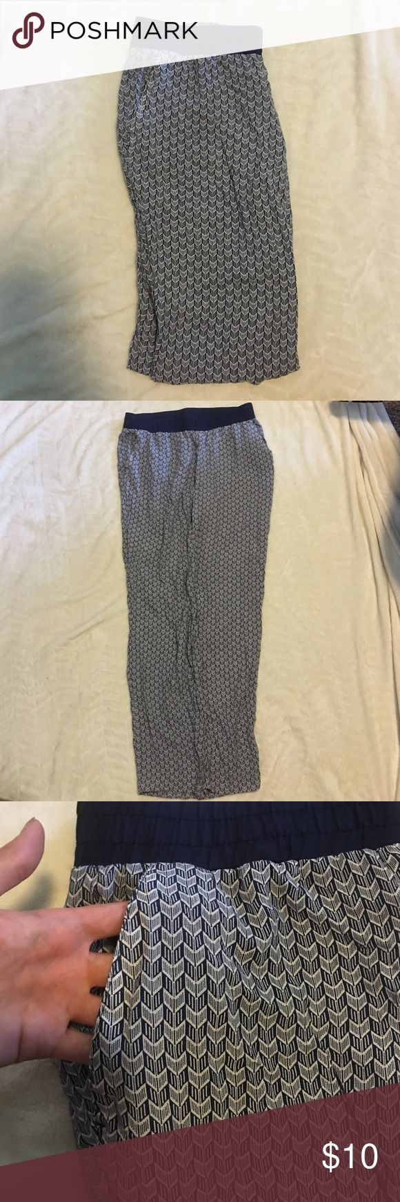 HM high wasted pants Loose fitted high wasted patterned pants | pockets H&M Pants Straight Leg