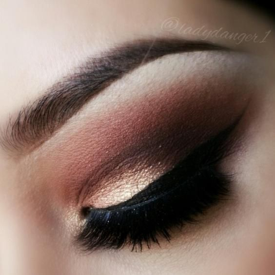 Gorgeous gold, Brown, mauve, and nude shadows with winged liner. Great combination of shadow colors and blending. The 180 Spa experts & leaders in Lash Extensions would apply Semi-permanent Lash Extensions, not strip lashes. Strip lashes damage your natural lashes. They look less natural and may dislodge. Get the best Makeup Application & Lash Extensions. Book online at www.the180spa.com or call us at 832-965-6590. #the180spa #lashextensions #houstonmakeupartist #bestmakeupartist