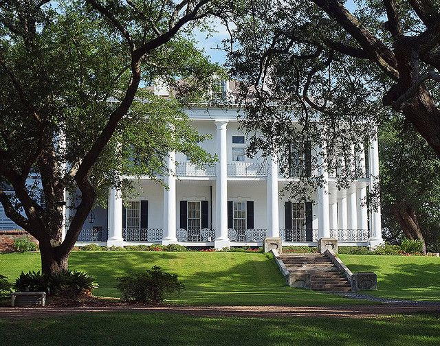 1208 best i like old homes images on pinterest abandoned for Home builders in mississippi
