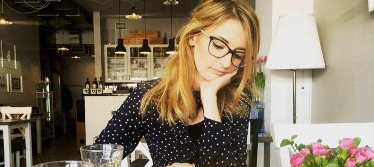 """""""Miejsce kobiety nie znajduje się na równi ze zlewozmywakiem"""" – wywiad z Magdaleną Kostyszyn (Chu***ą Panią Domu) #wywiad #kobieta #100club"""