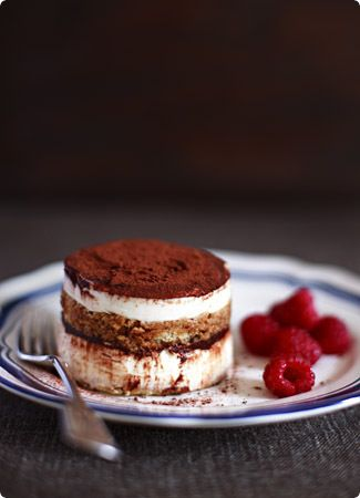 I love Tiramisu!! My second favorite candy! The first is cheese cake with guava syrup!