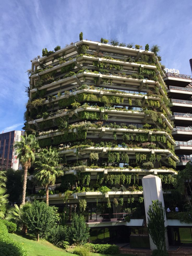 Planeta building