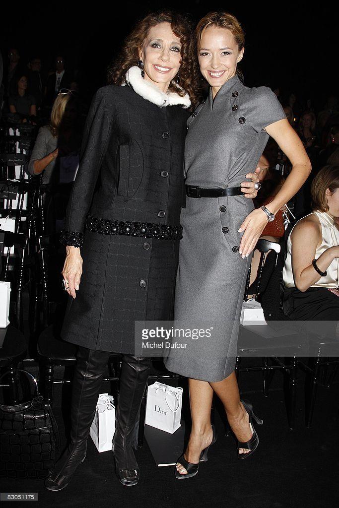 Photo d'actualité : Marisa Berenson and Helene de Fougerolles attend...
