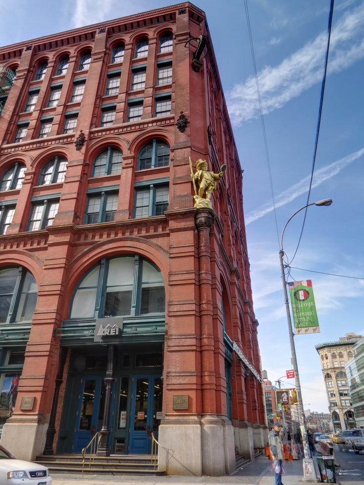 66 best images about will grace on pinterest tvs for Puck building