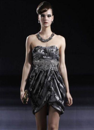 Un magnifique robe de soirée. #dress #party #robedesoiree #robecourte #robe #bustier