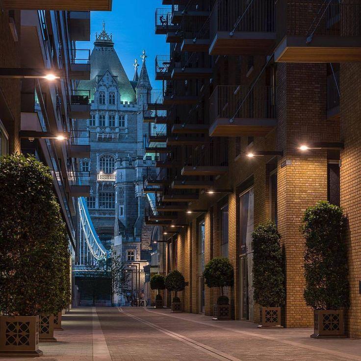 2,080 отметок «Нравится», 7 комментариев — LONDON - WUNDROUS LONDON (@wundrouslondon) в Instagram: «One Tower Bridge. By @jhinlondon. ------- Click link in bio for the best London hotel deals…»