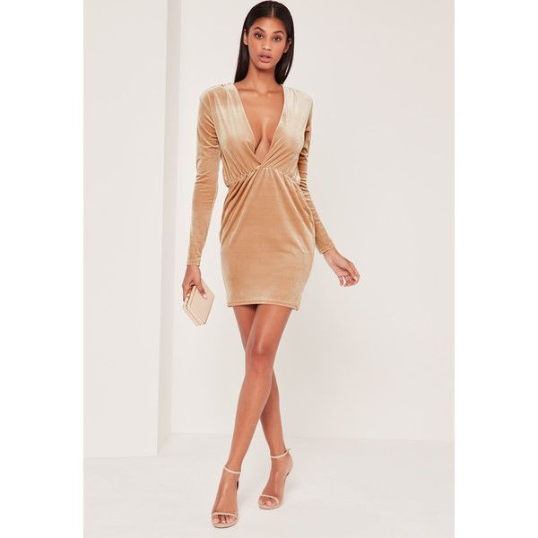 Missguided Long Sleeve Plunge Ruched Waist Velvet Dress Gold (£35) ❤ liked on Polyvore featuring dresses, champagne, long sleeve plunge dress, gold long sleeve dress, champagne gold dress, long sleeve velvet dress and champagne dress