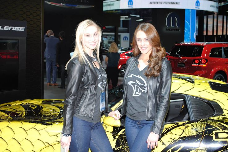 2016 Detroit Motor Show – The Girls