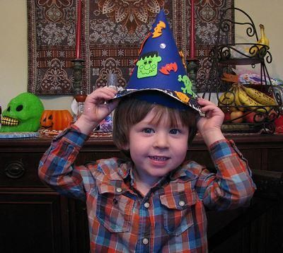 DIY Halloween : DIY Witch or Wizard Hat Craft for Kids