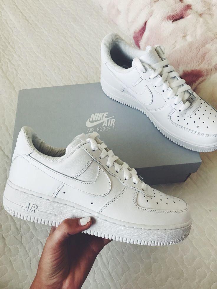 Pin De Paige En Shoes Zapatos Nike Blancos Zapatos Nike Mujer Modelos De Zapatos Nike