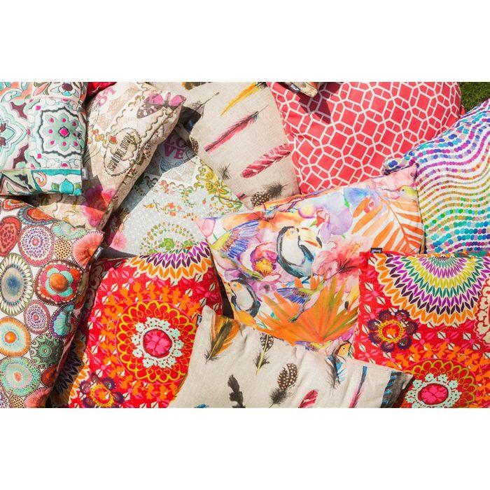 Zachte kleuren, felle accenten en sierlijke prints!