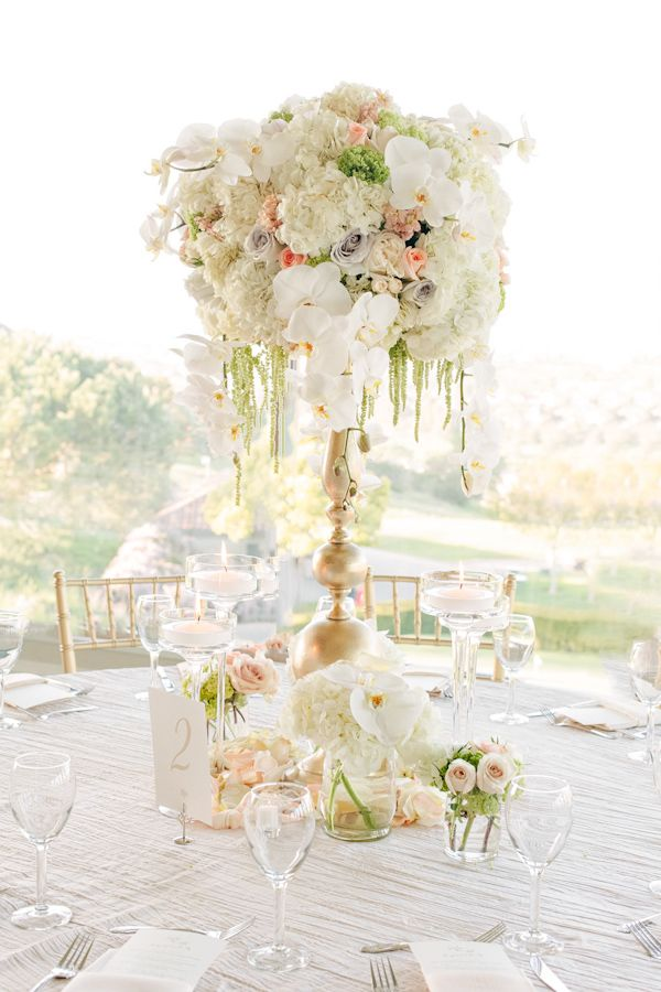 Elegant and Romantic Floral Centerpiece   Photos by Jinda Photography