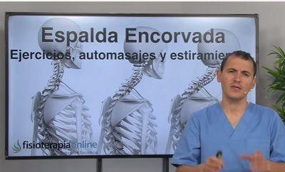 En el día de hoy te traemos unos útiles ejercicios de fisioterapia para mejorar la postura de tu espalda. Si tienes la espalda encorvada, este video es para ti.
