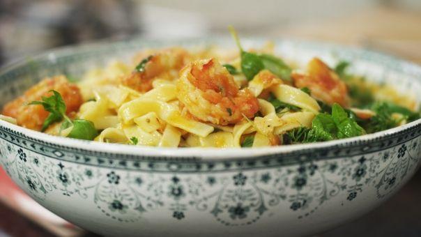 Dagelijkse kost - tagliatelle met scampi, tomaat en groene kruiden: getest en goedgekeurd