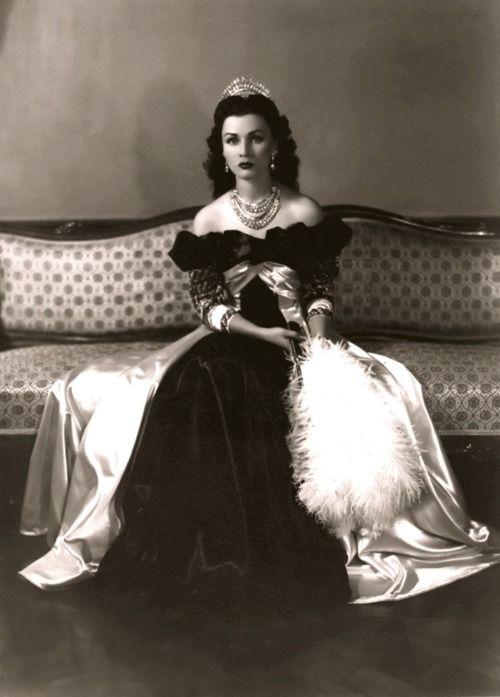 Rainha Fawzia do Irão, primeira esposa do shah, Princesa do Egipto, filha da Rainha Nazli e Rei Farouk.