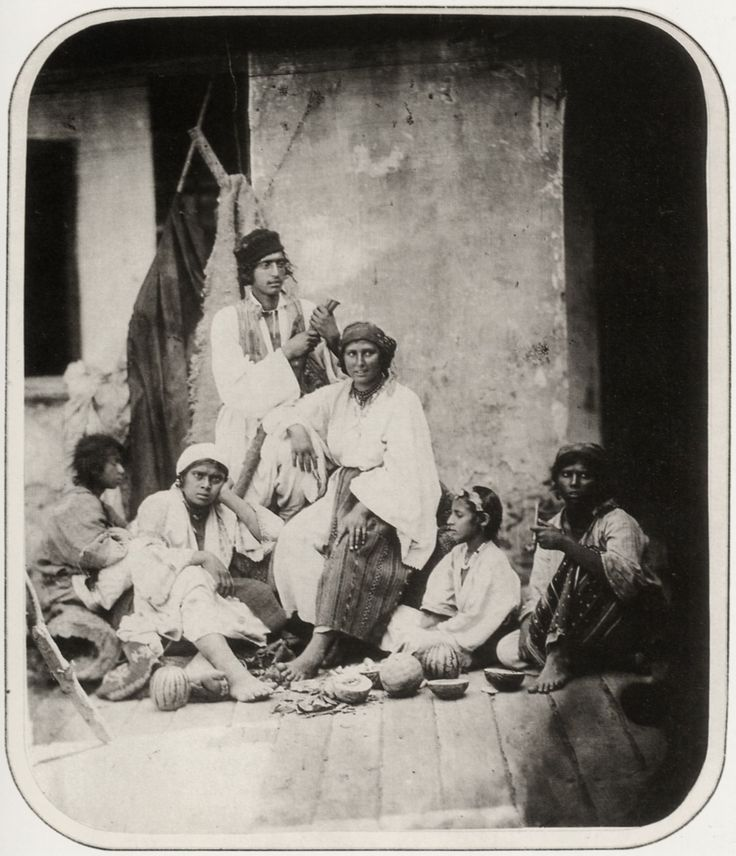Carol Popp de Szathmary - Gypsies from Pasarea village (near Bucharest), 1866