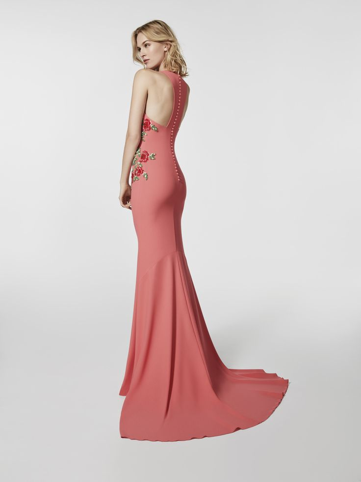 Imagem do vestido de festa vermelho (62022). Vestido GRONDAL comprido sem mangas