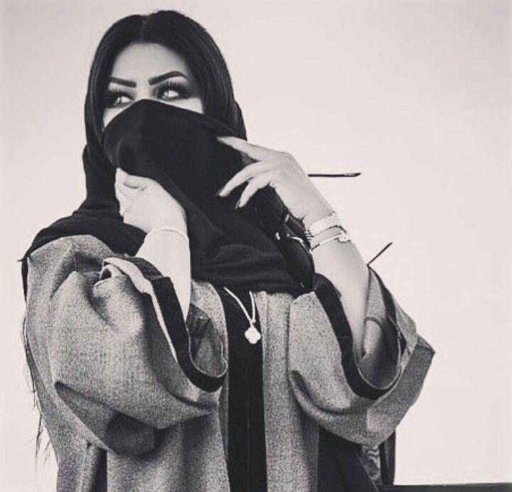 إيه بدويه ورافعه راسي لفوق وان جيت بعشق ما عشقت حضري ماهو قصور بالحضر كلهم ذوق لكن مزاجي مايبي الا بدوي Hijabi Girl Arab Women Arabian Makeup