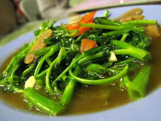 http://santeaja.com/cara-memasak-tumis-kangkung-sederhana/