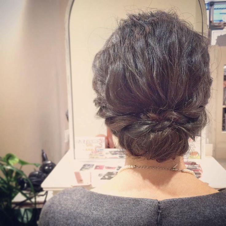 today's hair style☆  ギブソンタック☆ 黒髪の肩丈ボブをクルクルまとめたスタイル.  #ヘアセット #セット #ヘアアレンジ #アップスタイル #ツイスト #編み込み #ねじねじ #ヘアアクセサリー #シンプル #もふもふ #ギブソンタック #結婚式 #ルーズ  #フェミニン #ブライダル #パーティー #二次会 #ファッション #メイク #ありがとう #京都 #京都駅前 #美容室 #t2style #love #starbucks #beauty #courarir #courarirkyotoekimae #kyoto