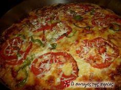 Πρόκειται για την πίτσα του μπαμπά μου! Απλή, νόστιμη, χορταστική, αφράτη και πέρα για πέρα σπιτική! Η πίτσα αυτή έχει πάρει κατά καιρούς διάφορες ονομασιές όπως Πίτσα Γιόλο, Πίτσα αλά Κώστα, Πίτσα Πίτσα, Πίτσα οέο κτλ... Ευκαιρία να γίνετε νονός-ά!