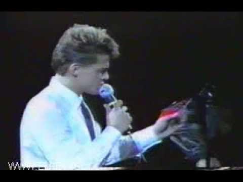 Luis Miguel - La Incondicional - Acapulco 1993 - YouTube