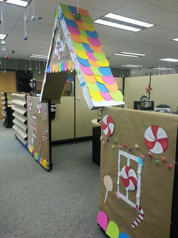 cubicle christmas decorations gingerbread house - Christmas Office Decorations